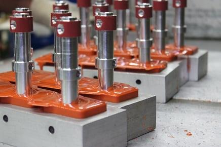 Cast molded polyurethane components